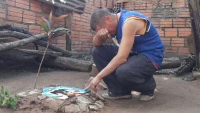 """Photo of Ovom čoveku je KOMŠIJA UBIO VOLJENOG PSA, ali tužilac """"NEĆE DA GUBI VREME ZBOG UBIJENE ŽIVOTINJE"""""""